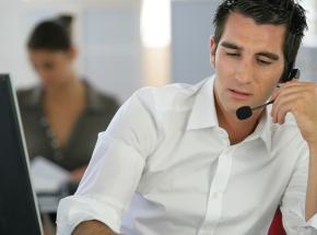Saiba como usar a estratégia integrada de chat e telefone para vendas online